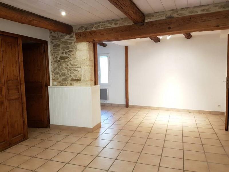 Location maison / villa Domazan 570€ CC - Photo 3