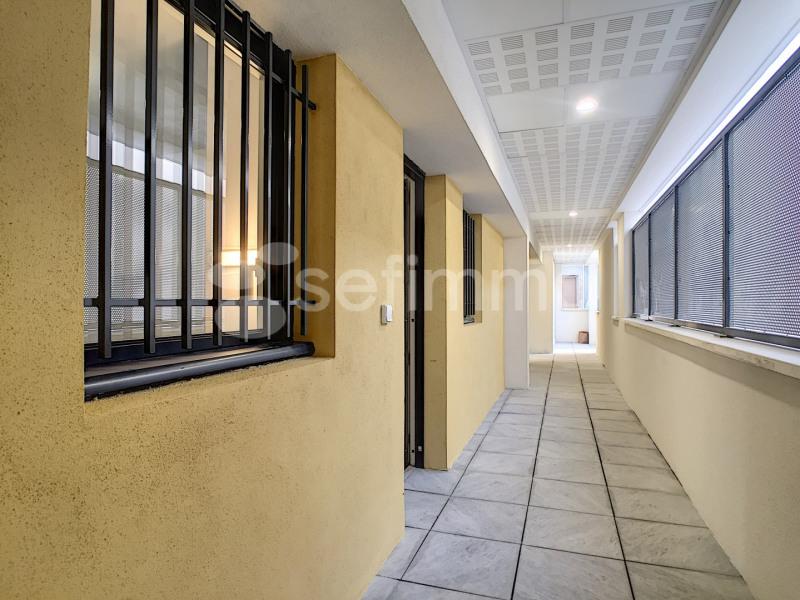 Location appartement Marseille 7ème 790€ CC - Photo 11