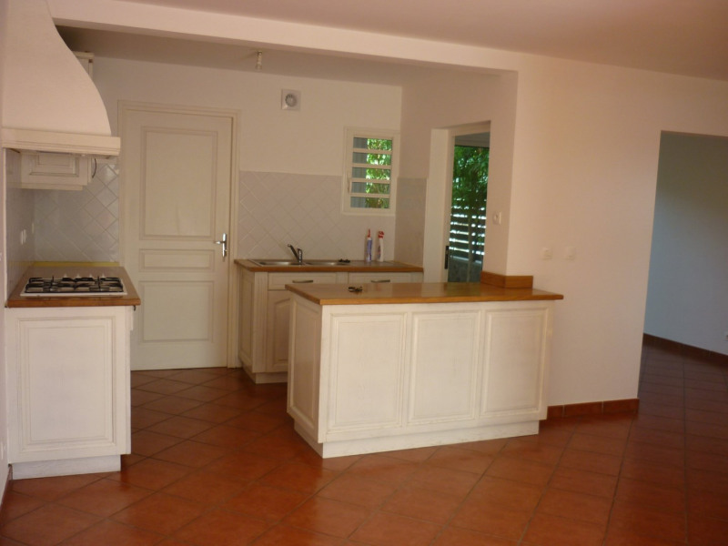 Sale house / villa La riviere 181900€ - Picture 2