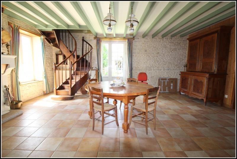 Sale house / villa Fontenay le comte 125000€ - Picture 3