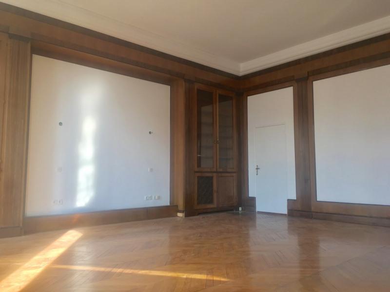 Rental apartment Paris 8ème 11000€ CC - Picture 4