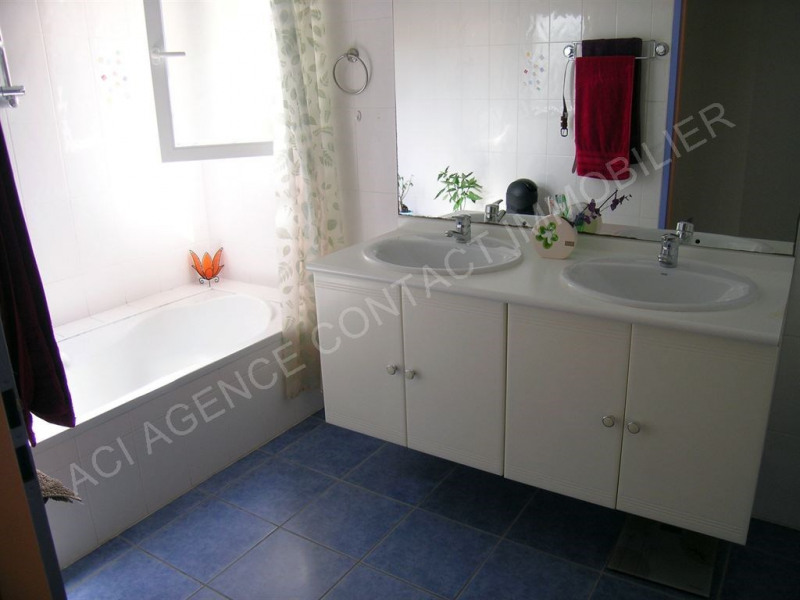 Location maison / villa St martin d oney 680€ CC - Photo 4