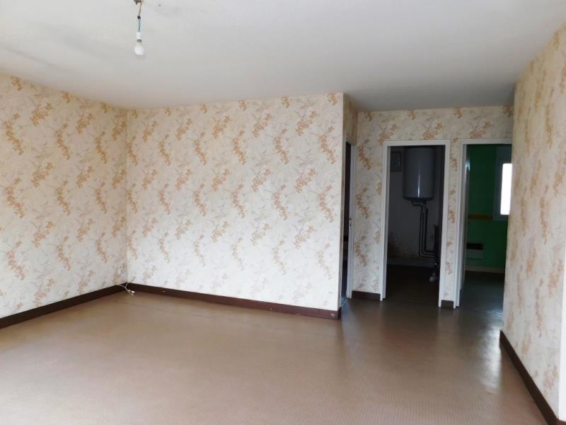 Sale house / villa St georges de reintembault 71400€ - Picture 2