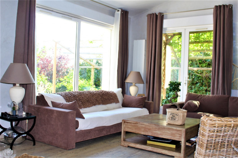 Deluxe sale house / villa Charly 785000€ - Picture 4