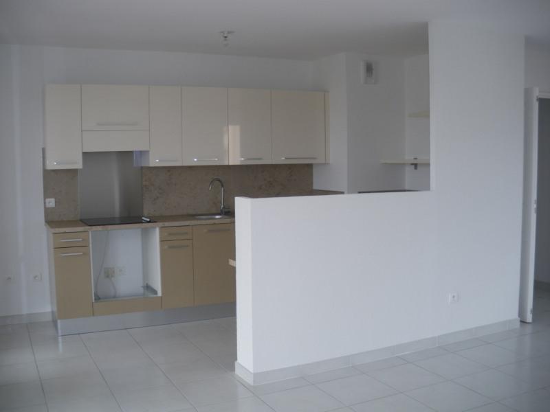Rental apartment Fréjus 1030€ CC - Picture 2
