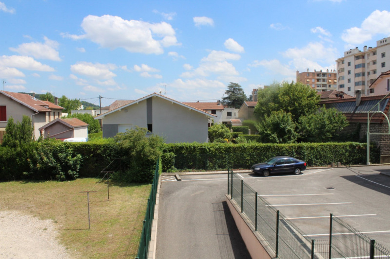 Location appartement Bourgoin jallieu 649€ CC - Photo 13