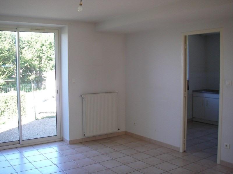 Rental house / villa Poncin 698€ CC - Picture 3