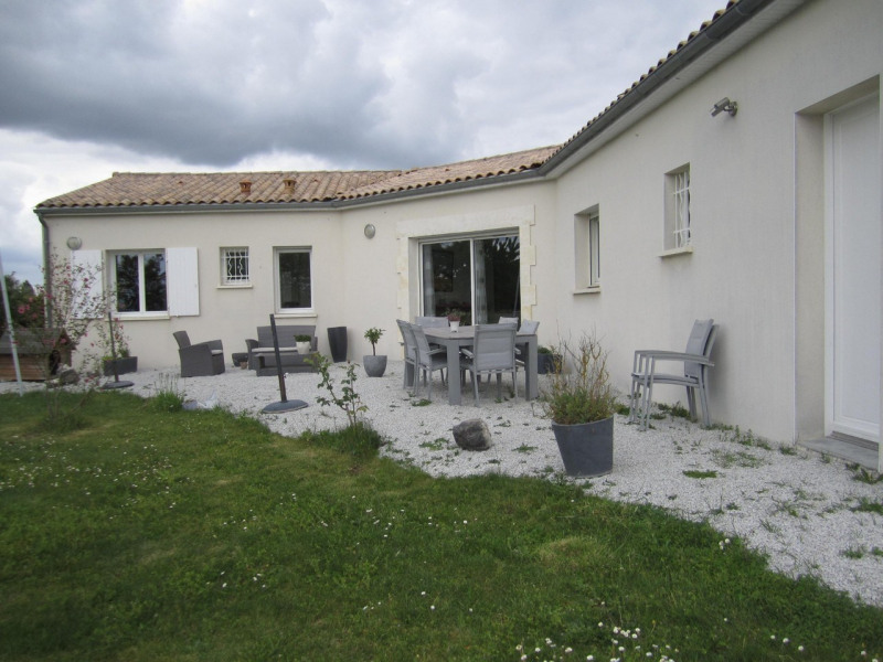 Vente maison / villa Barbezieux-saint-hilaire 270 000€ - Photo 2