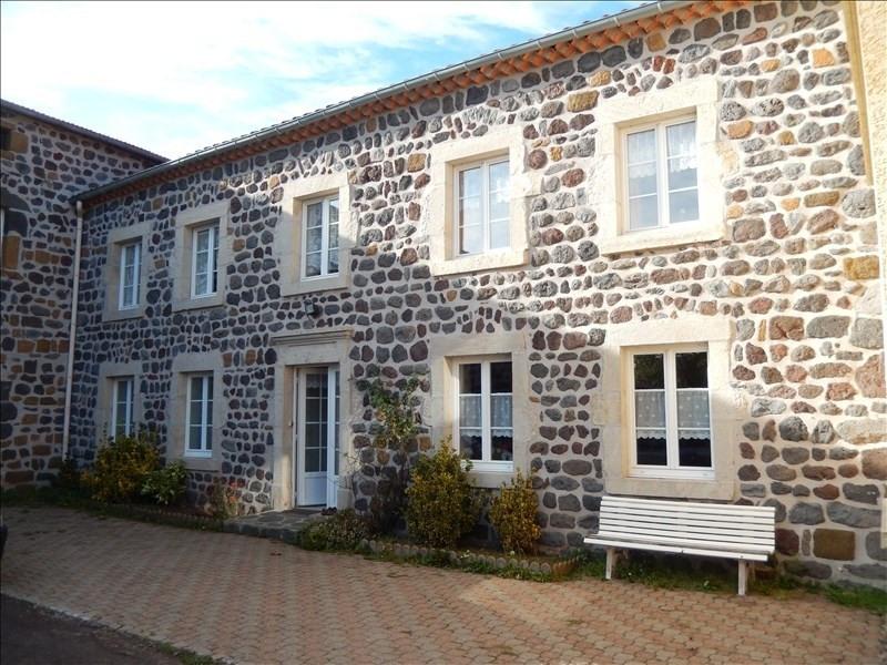 Location appartement Bains 551,79€ CC - Photo 1