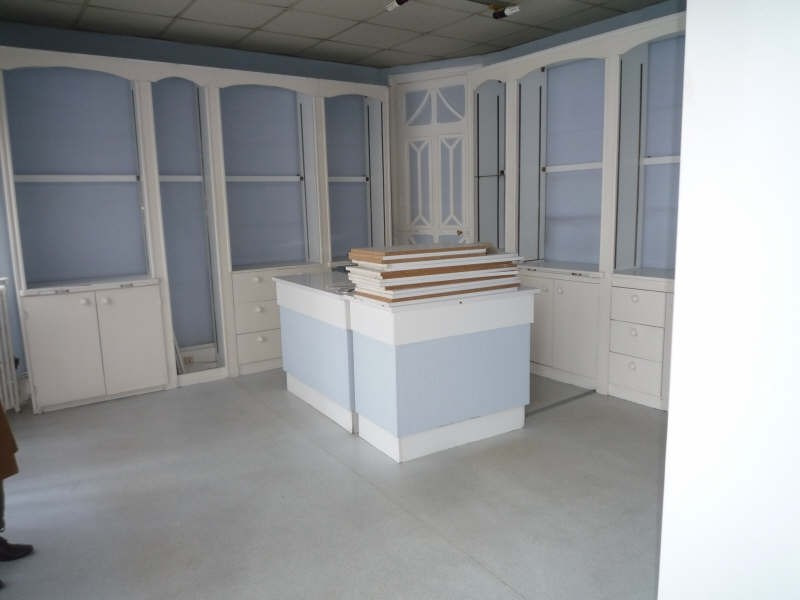 Location boutique Moulins 800€ HT/HC - Photo 3