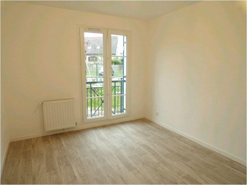 Rental apartment Yerres 1148€ CC - Picture 2