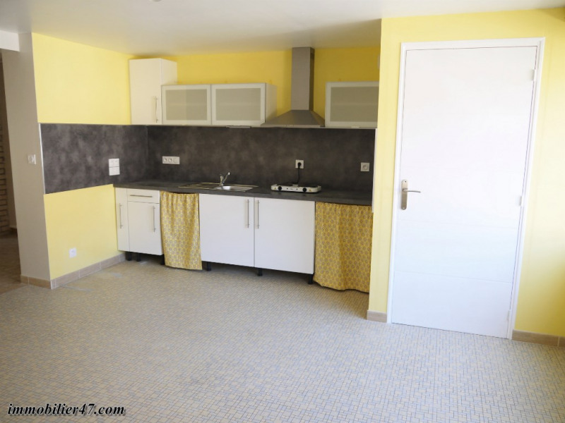 Location appartement Castelmoron sur lot 424€ CC - Photo 2