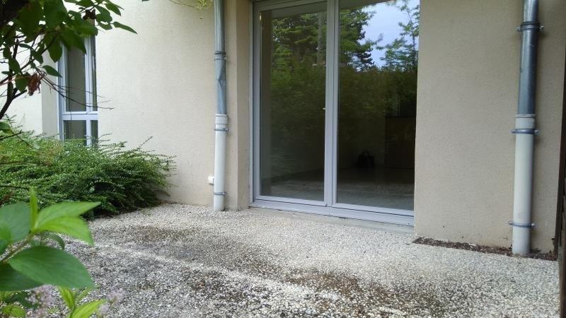Rental apartment Vendome 545€ CC - Picture 1