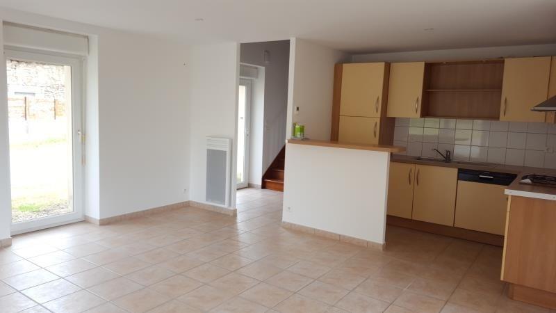 Rental house / villa Saint thurien 555€ CC - Picture 3