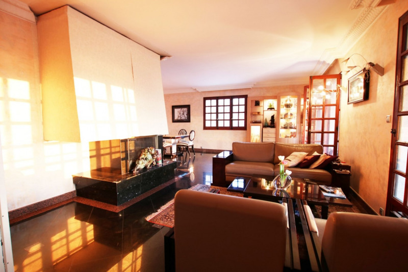 Deluxe sale house / villa St cyr au mont d or 840000€ - Picture 2