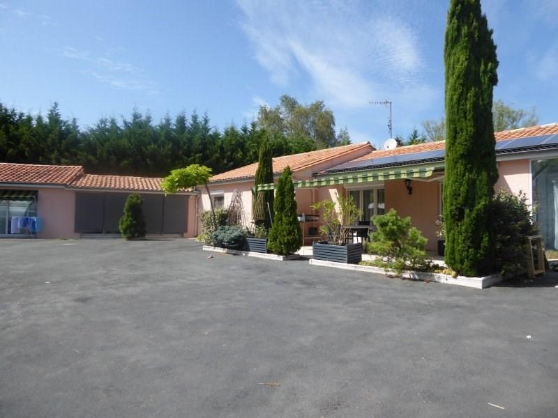 Vente maison / villa Badefols d'ans 306340€ - Photo 1