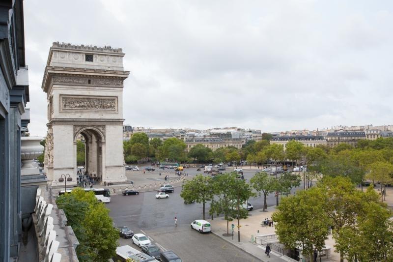 Vente de prestige appartement Paris 8ème 2049000€ - Photo 8