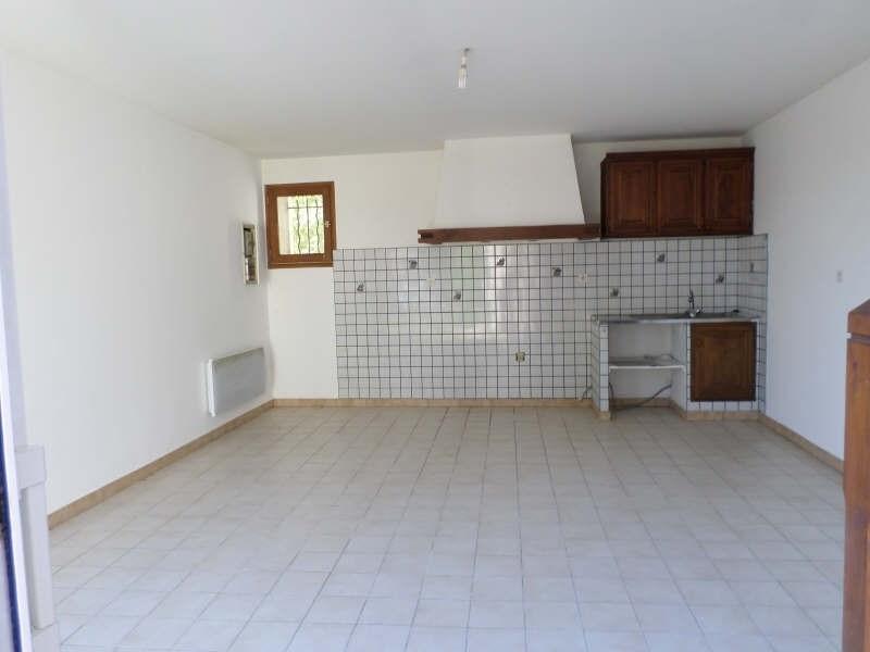 Location appartement Senas 485€ CC - Photo 1