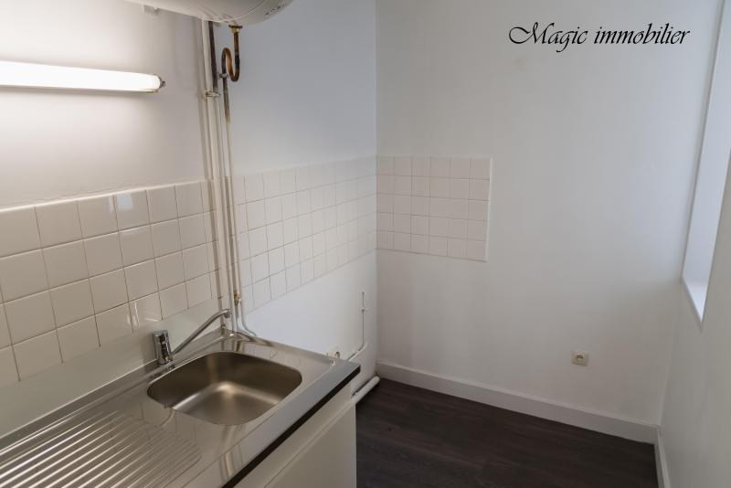Rental apartment Nantua 246€ CC - Picture 4