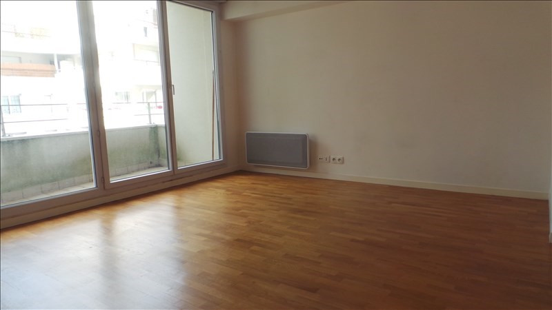 Rental apartment Courbevoie 1 210€ CC - Picture 2