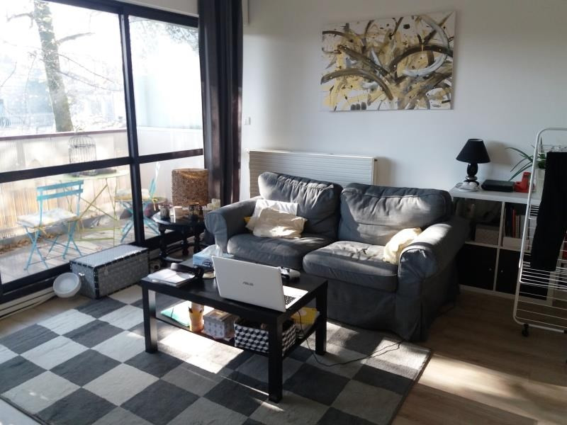 Rental apartment Talence 725€ CC - Picture 2