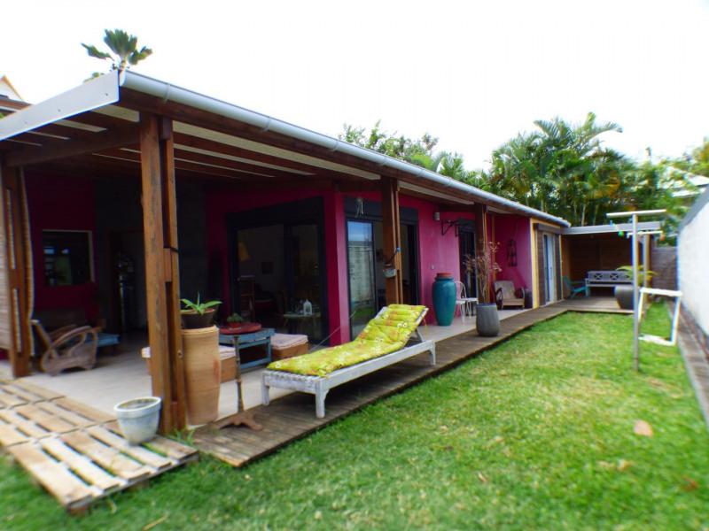 Sale house / villa Les avirons 283500€ - Picture 2