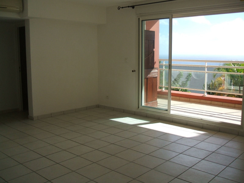 Sale apartment Ste clotilde 172 000€ - Picture 2