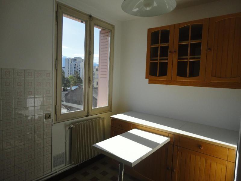 Location appartement Grenoble 576€ CC - Photo 2
