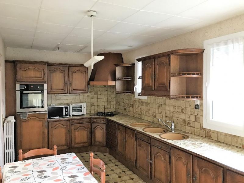 Sale house / villa Laval 140400€ - Picture 4
