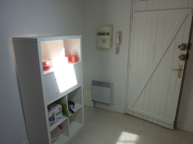Location appartement Saintes 345€ CC - Photo 5