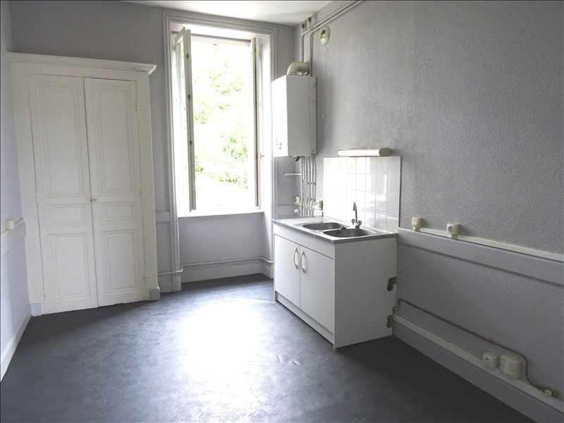 Rental apartment Regny 450€ CC - Picture 2