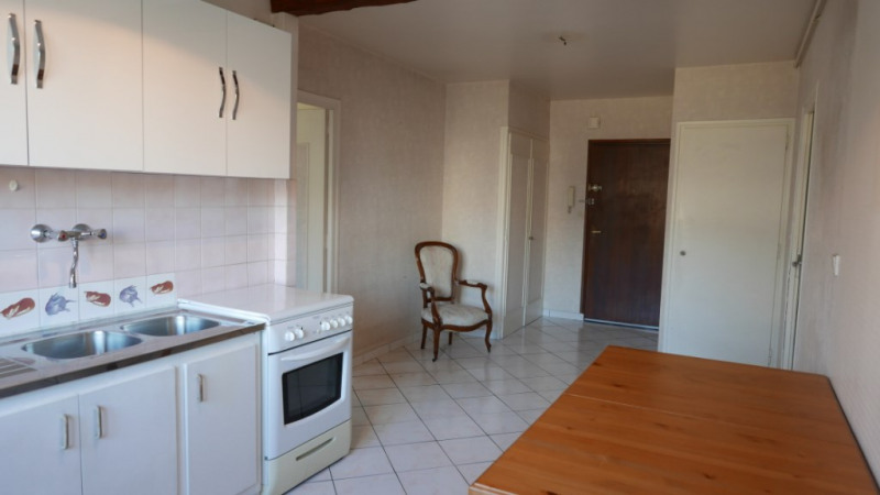 Sale apartment Annecy 230 000€ - Picture 5