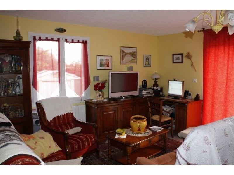 Sale house / villa Presailles 110000€ - Picture 5