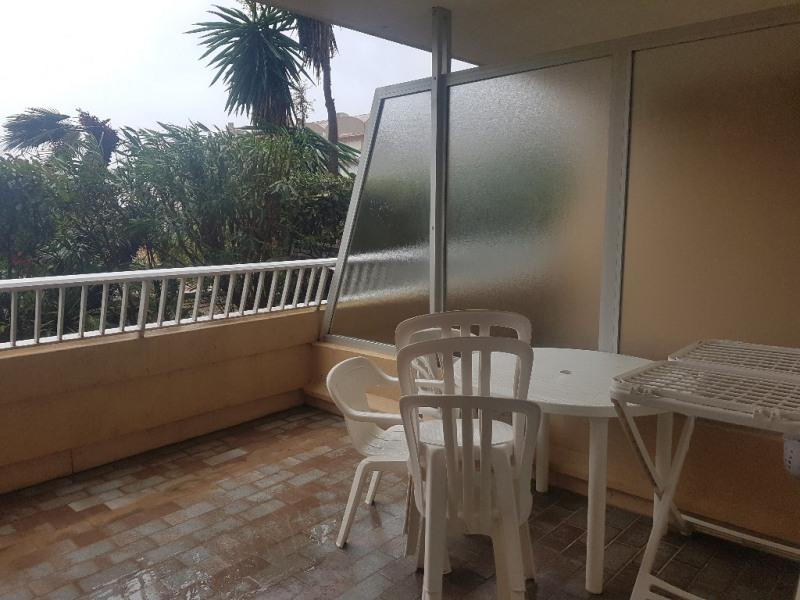 Verhuren  appartement Hyeres 453€ CC - Foto 4