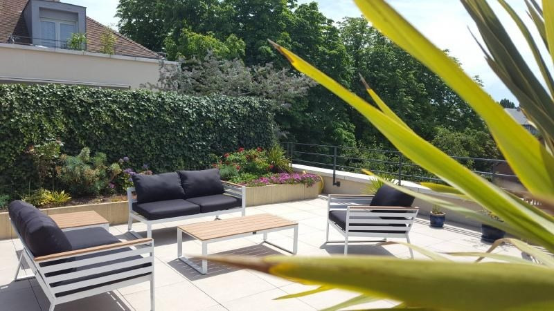Deluxe sale apartment Maisons-laffitte 860 000€ - Picture 1
