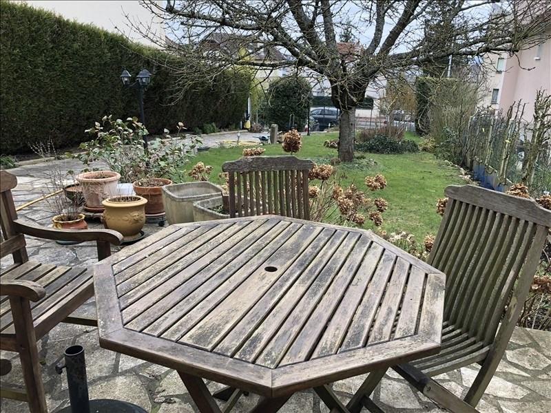 Sale house / villa St germain en laye 712000€ - Picture 1