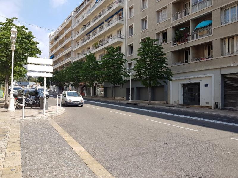 Verhuren  werkplaats Toulon 2120€ CC - Foto 1