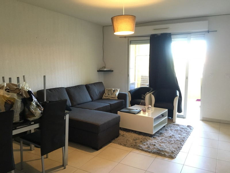 Rental apartment Roquebrune-sur-argens 710€ CC - Picture 2