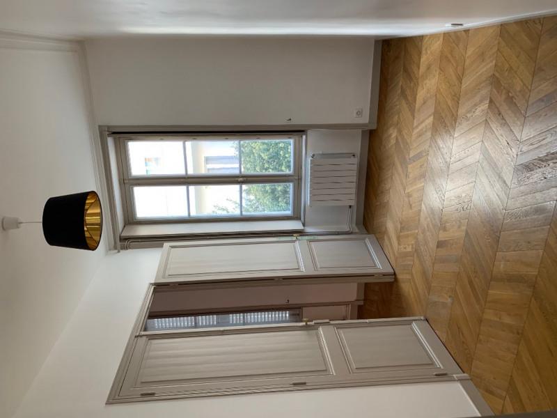 Sale apartment La rochelle 267000€ - Picture 4