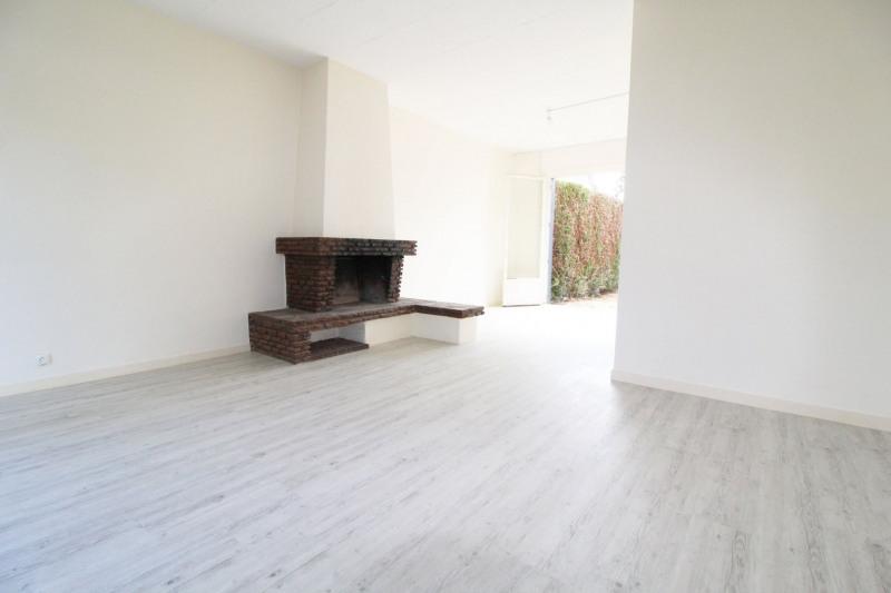 Sale house / villa Maurepas 331000€ - Picture 2