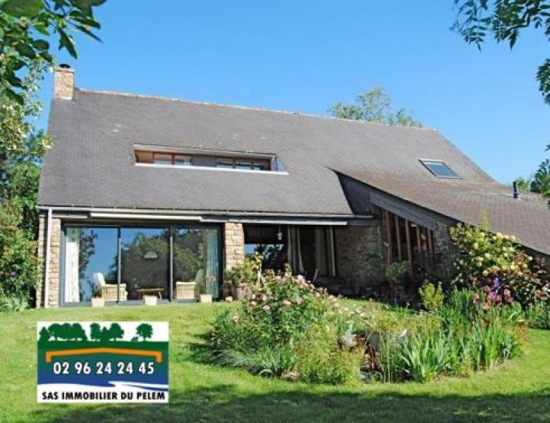 Sale house / villa Saint nicolas du pelem 259700€ - Picture 1