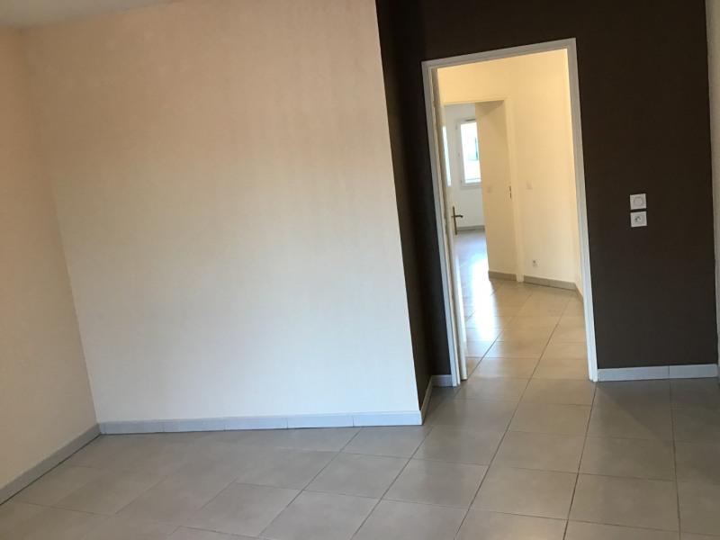 Location appartement Roquebrune-sur-argens 1030€ CC - Photo 12