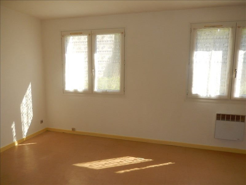 Rental apartment Langeac 245,79€ CC - Picture 2
