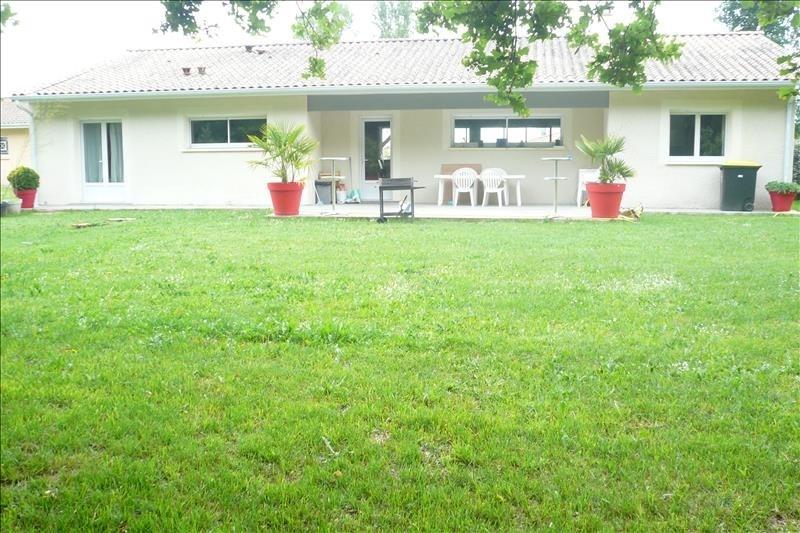 Location maison / villa St andre de cubzac 1155€ CC - Photo 2