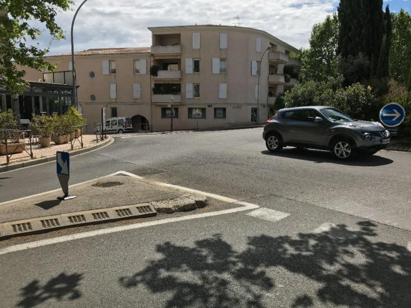 Verkoop  kantoren La londe les maures 472500€ - Foto 2