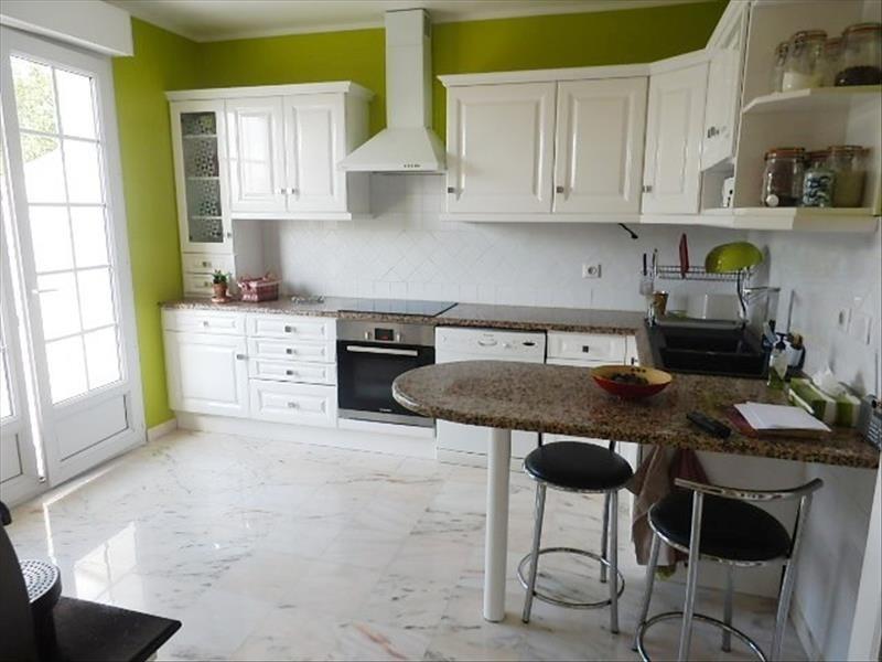 Sale house / villa Chennevieres sur marne 680000€ - Picture 3