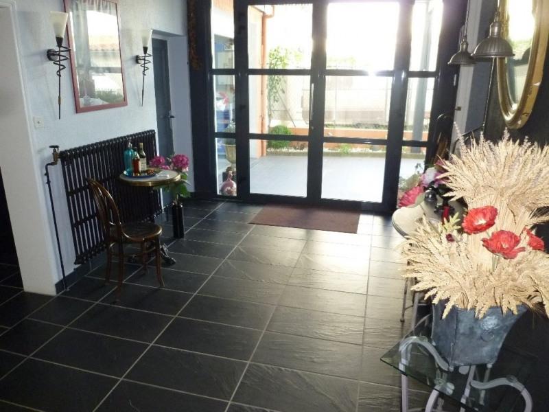 Sale house / villa Cognac 249840€ - Picture 2