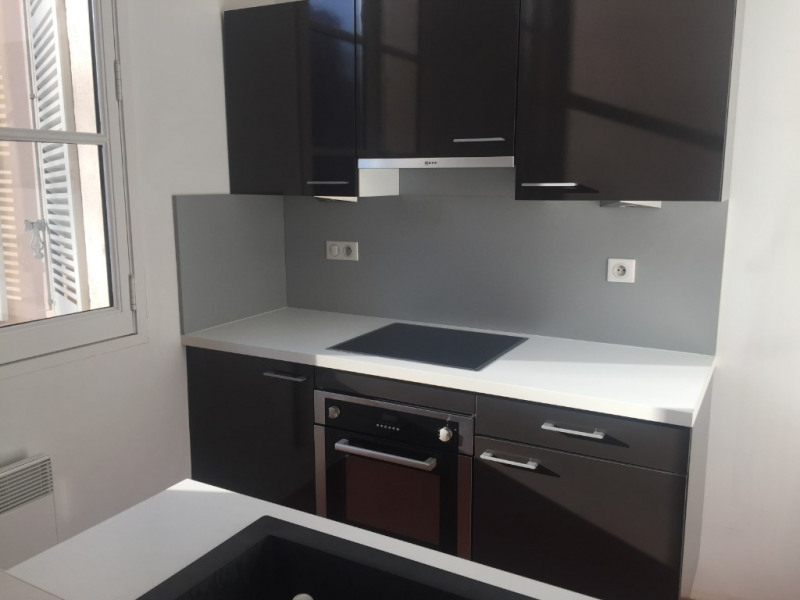 Rental apartment Aix en provence 1355€ CC - Picture 2