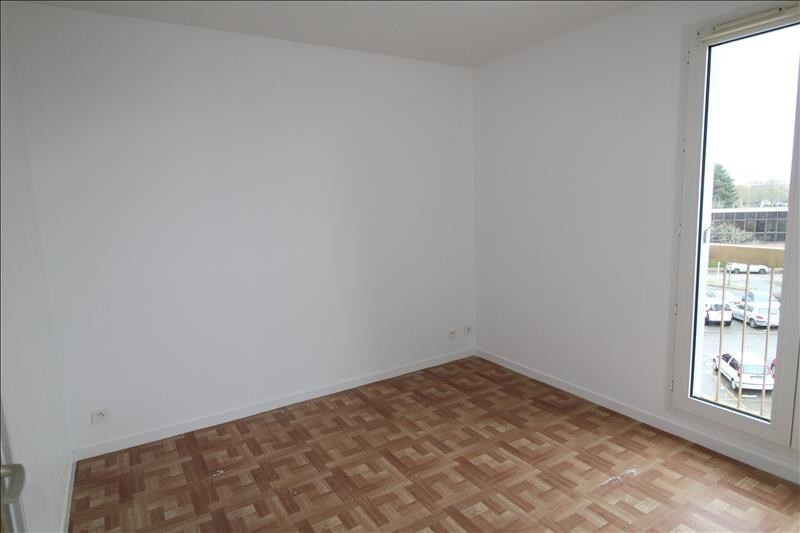 Location appartement Maurepas 792€ CC - Photo 2
