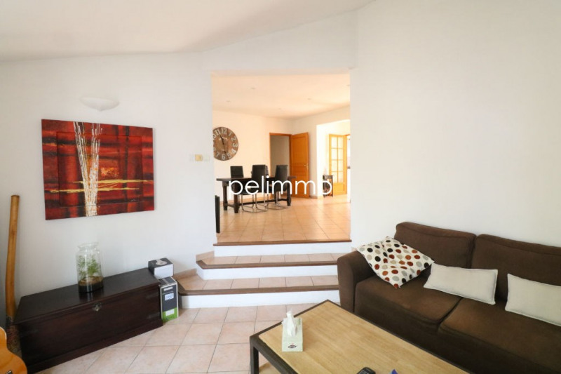 Location maison / villa Salon de provence 1 290€ CC - Photo 8